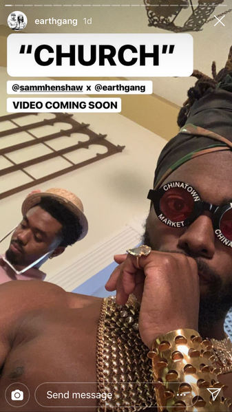 If you ever need lessons on self expression, creativity and love for their craft, look no further than Olu aka Johnny Venus of Earthgang. Spotted his arrowhead ring from Good Vibes Vintage out in Oslo Norway. The guys from Earthgang stopped in to check out the vintage treasure and found something that spoke to him.