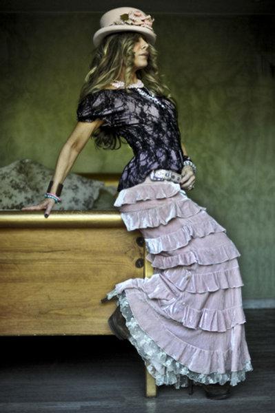 Princess Skirt in Velvet Peasant Puff Lace Top
