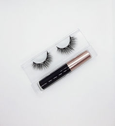 Classic Lady Magnetic Lashes and Eyeliner
