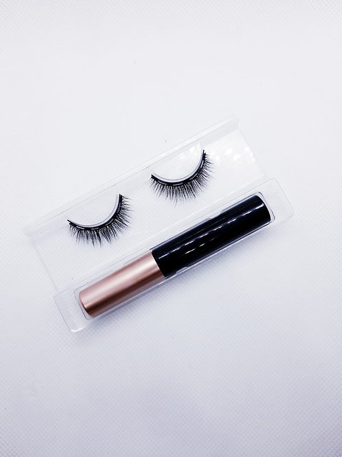 Elegant Magnetic Lashes and Eyeliner
