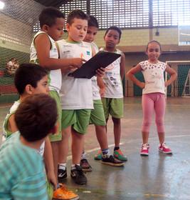 Crianças e jovens do Núcleo Portinari criaram regras para garantir aulas mais produtivas