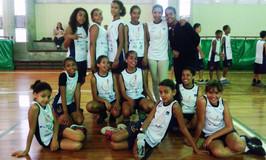 Projeto Basquete encanta Escola Pinheiro.