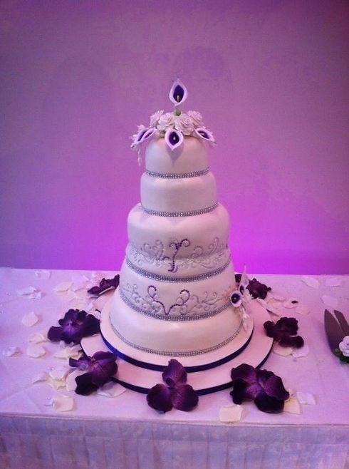 Alicia's wedding cake 2.jpg