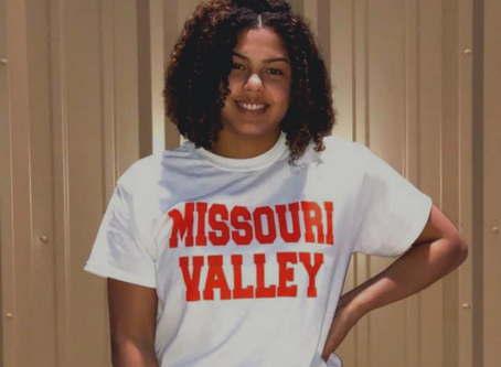 Destini Williams commits to play for Missouri Valley University!