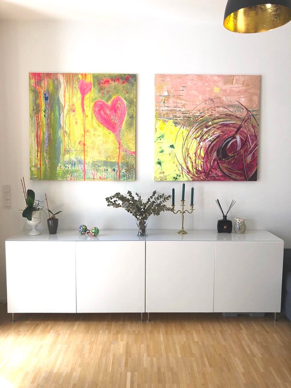 golden accent living room