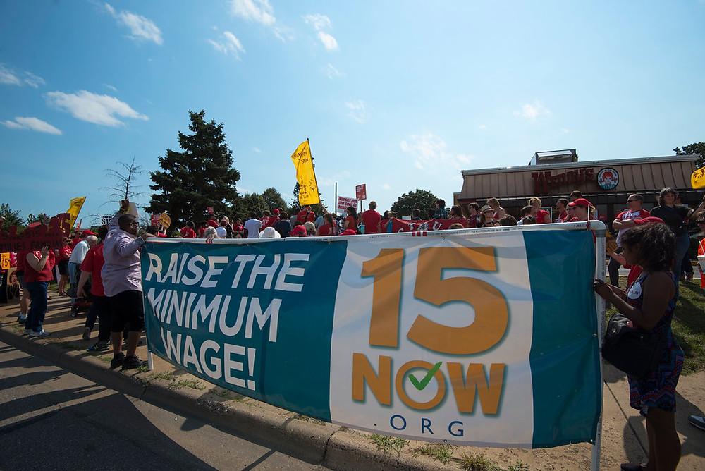 raising minimum wage in restaurants