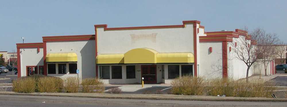 Closed Fuddruckers Restaurant