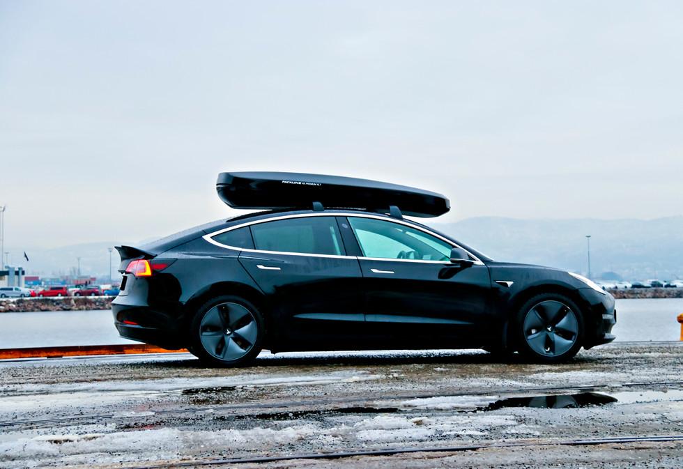 Tesla Model 3 med Packline NX-Premium XL