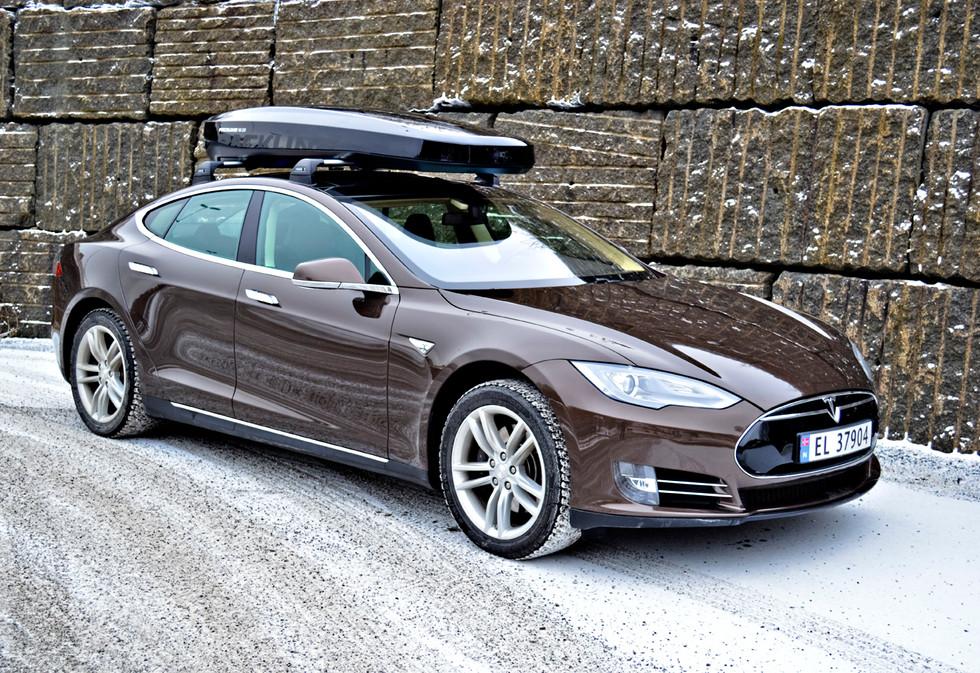 Tesla Model S med Packline NX-215 (3).JP
