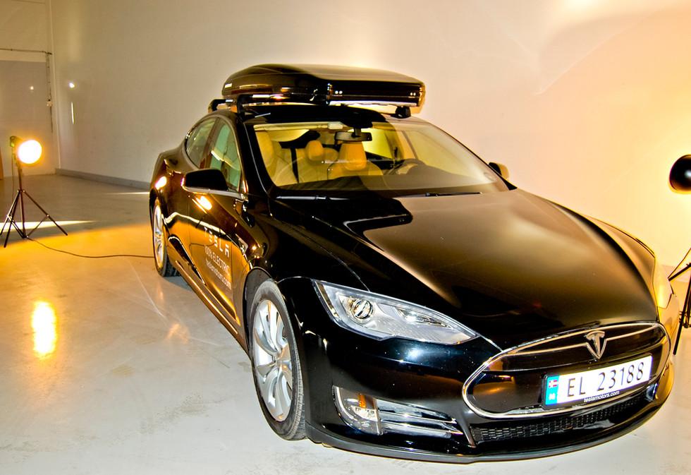 Tesla Model S med Packline 2.jpg