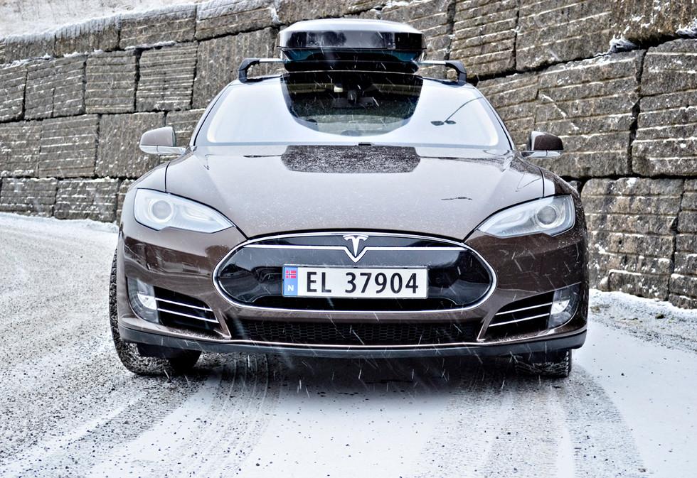 Tesla Model S med Packline NX-Premium (5