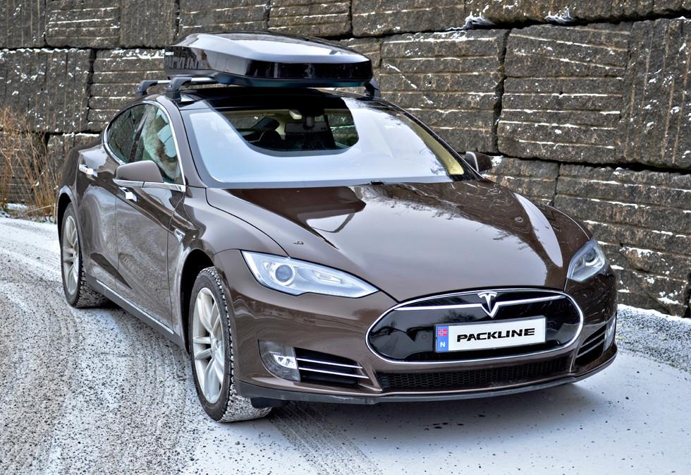 Tesla Model S med Packline NX-215 (4).jp