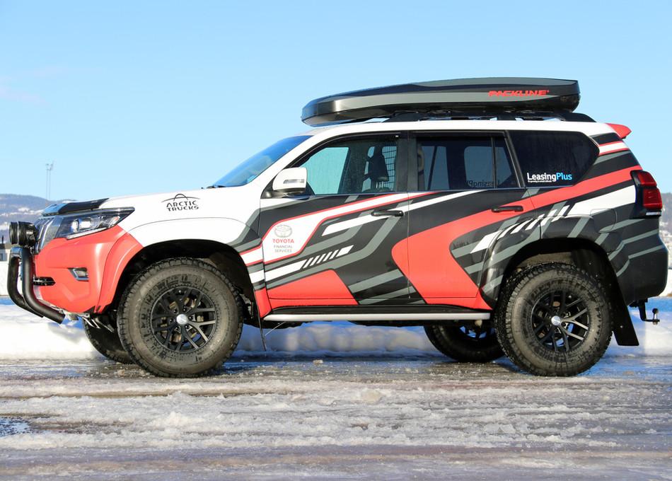Toyota Land Cruiser med Packline NX-Prem