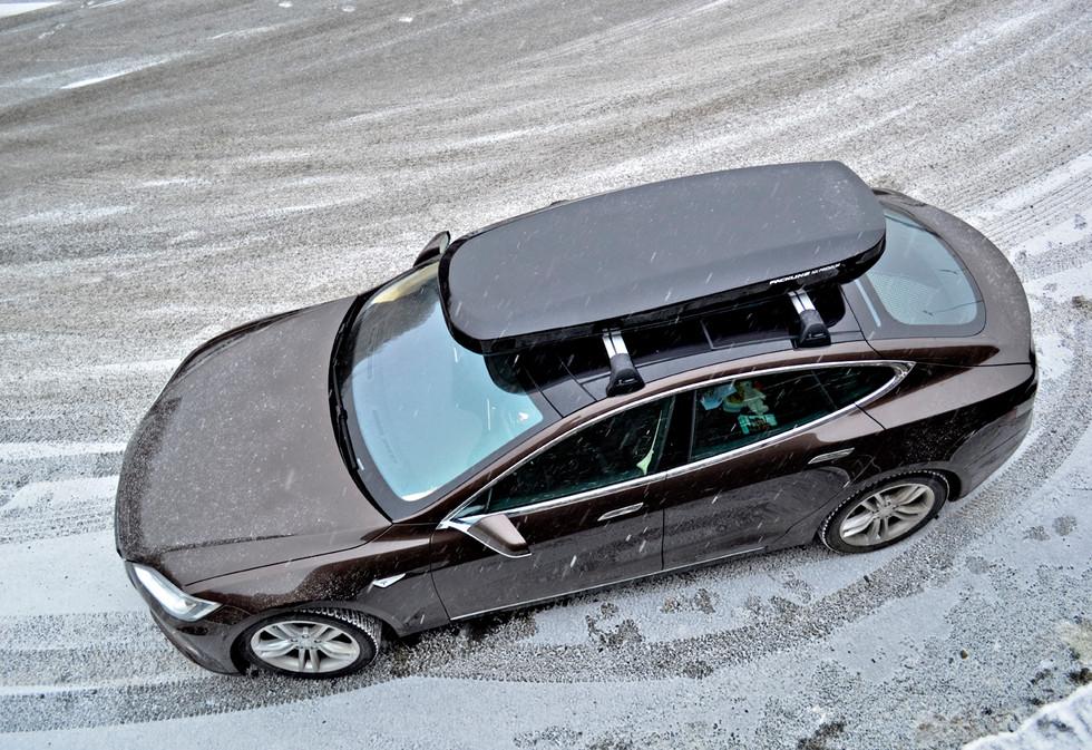 Tesla Model S med Packline NX-Premium (1