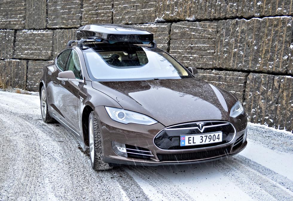 Tesla Model S med Packline NX-Premium (4