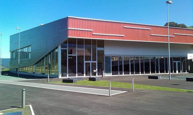 Rothenthurm, Mehrweckgebäude