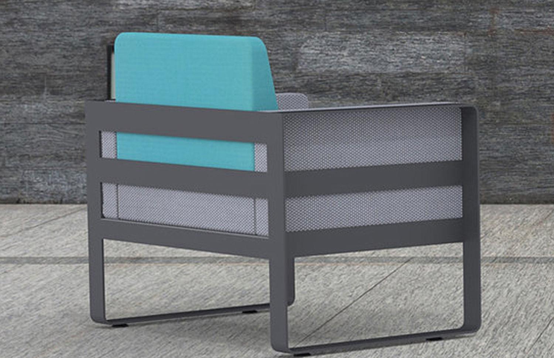 Fero lounge chair in blue