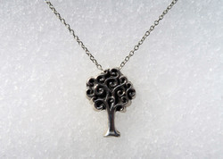 Fine Silver Curly Oak Necklace