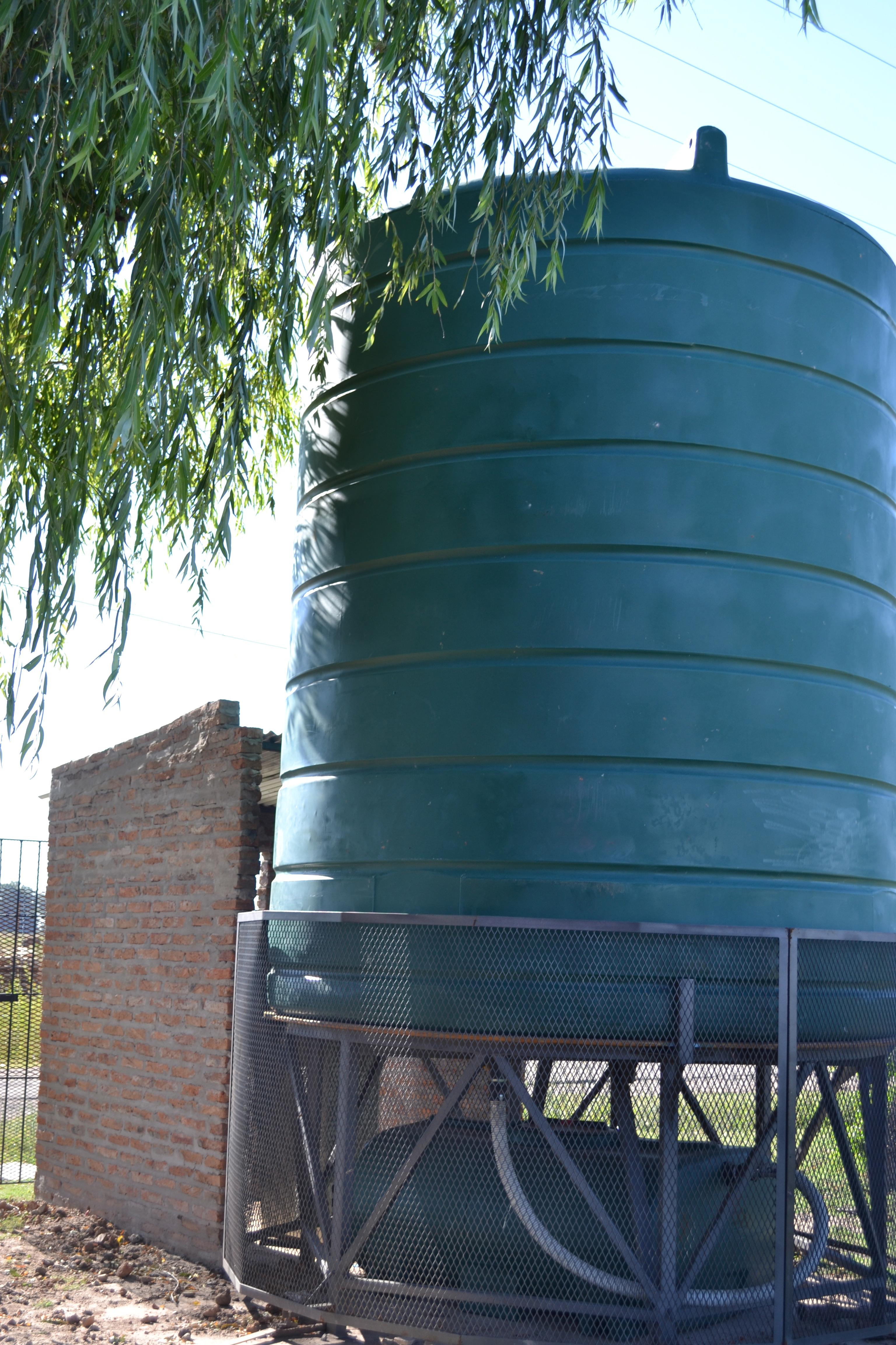 Giros communal water tank