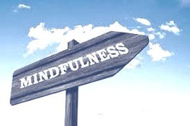 Mindfulness afbeelding wegwijzer_edited_edited.jpg