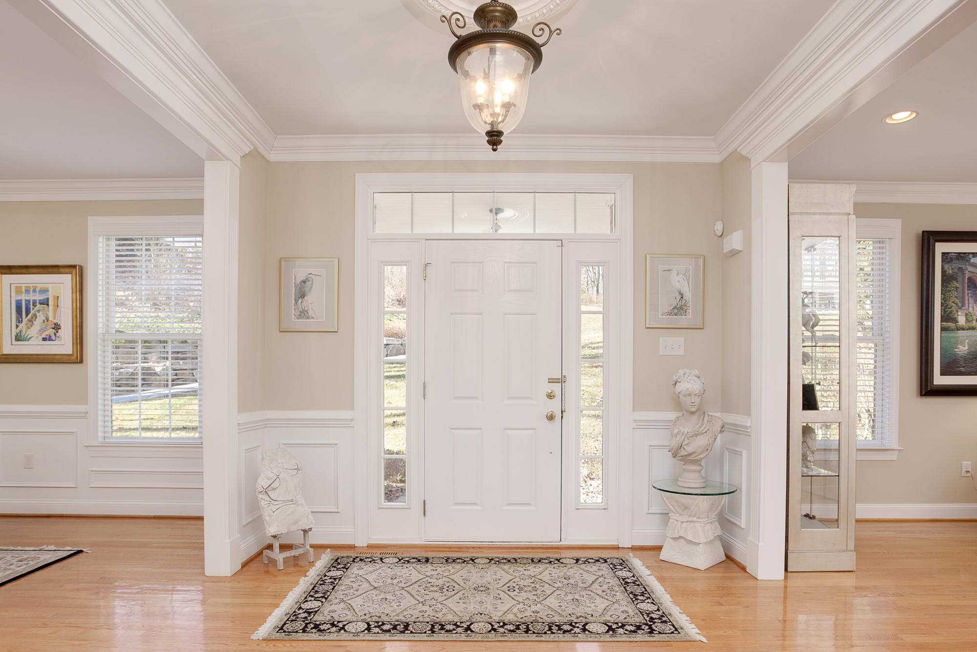 Entrance Real Estate