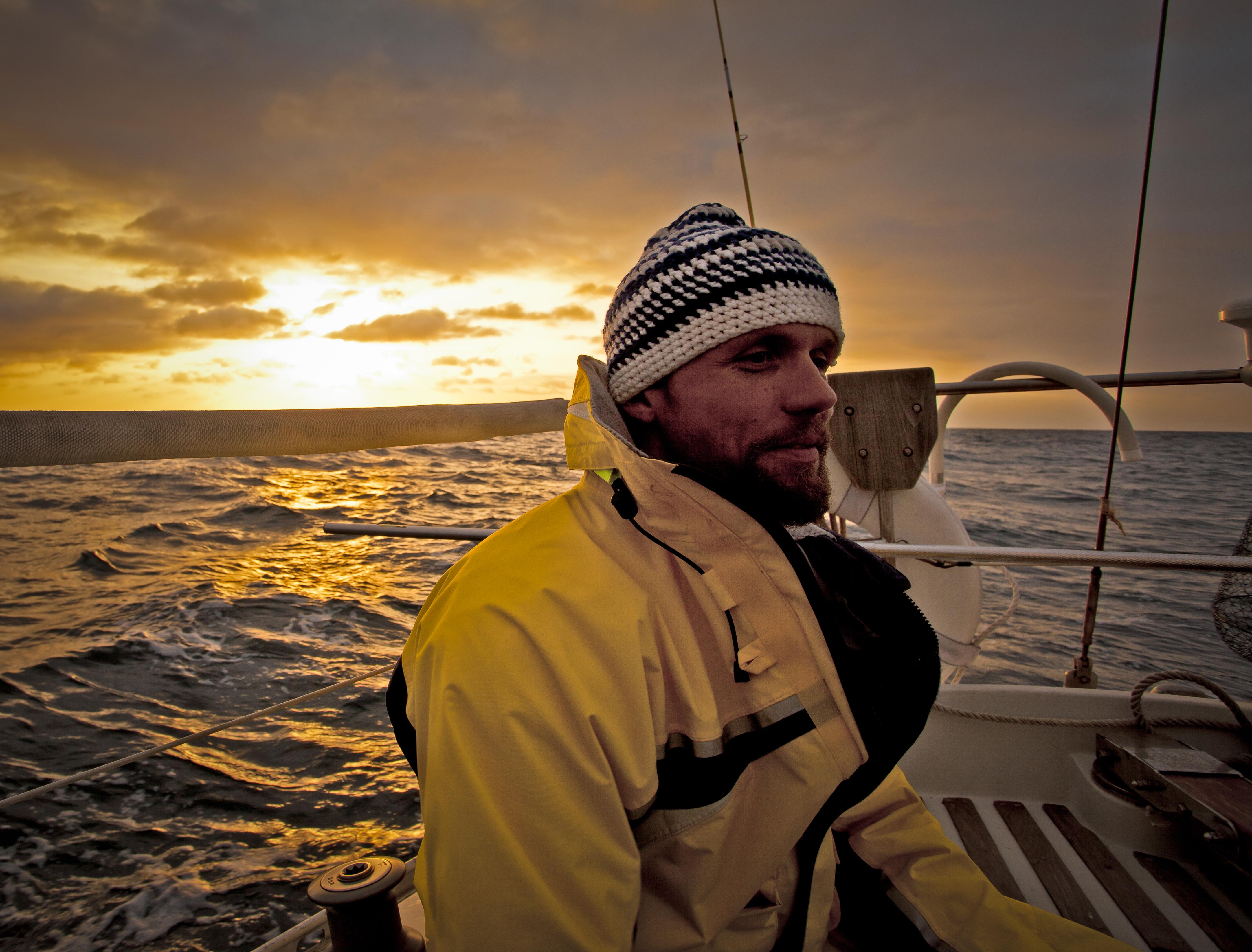 Dr Peter Sailing to Catalina