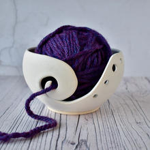 Yarn bowl, matt white