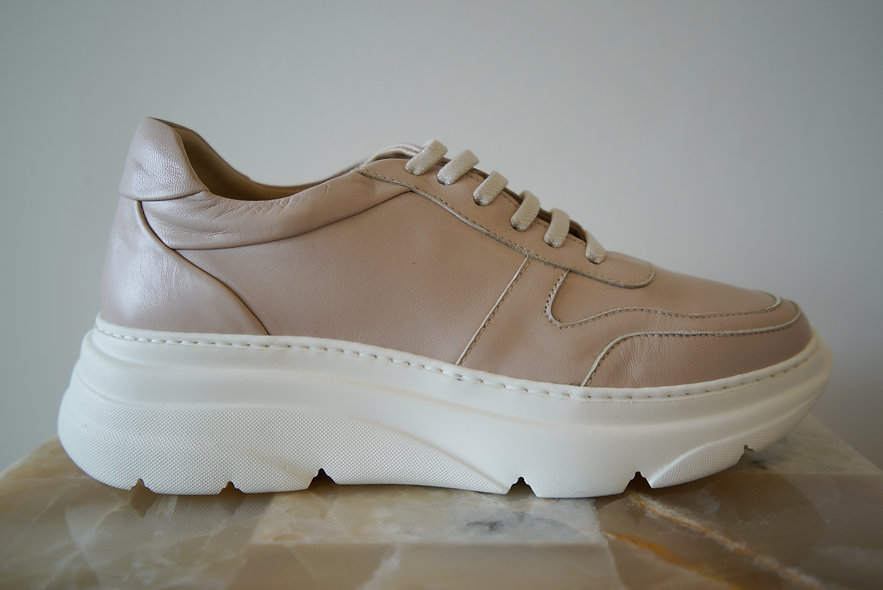 The Moderna- Nude Leather