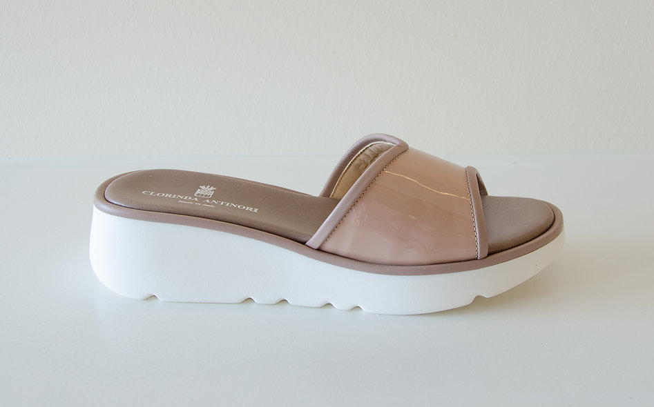 The Sporty-Taupe Patent