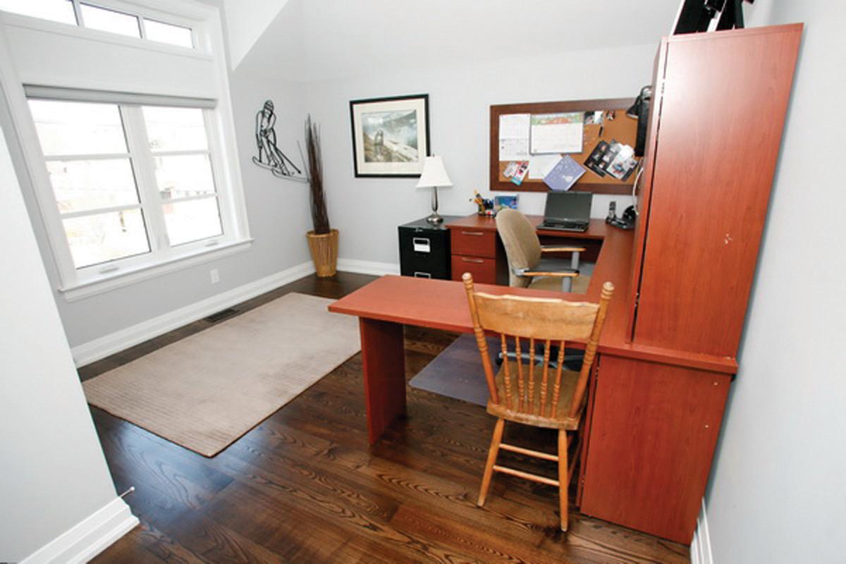 Bedroom1-619931.jpg