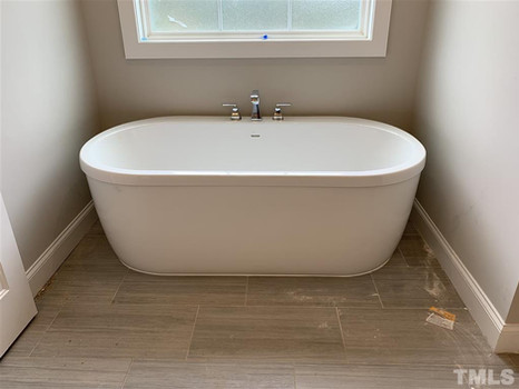 The Parkview - Freestanding Tub (Owner's Suite)