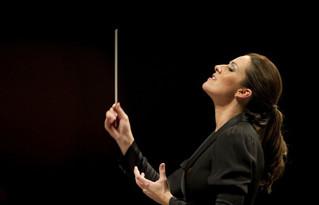 El día de los muertos con Alondra de la Parra y su orquesta Filarmonica de las Américas