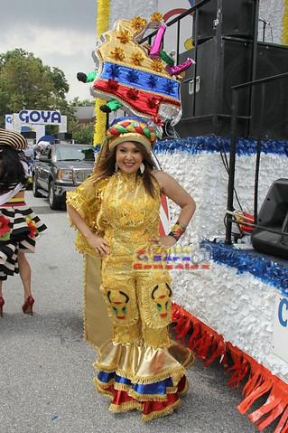 Luz Mery Machado: la mujer que vive y goza el Carnaval de Barranquilla en Nueva York