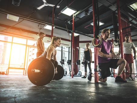 Weisst du, weshalb auch Frauen öfters mit schweren Gewichten trainieren sollten?