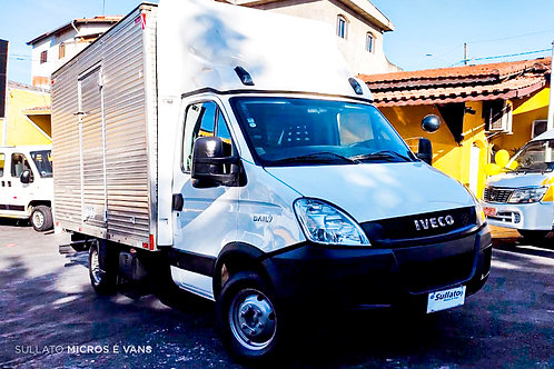 IVECO DAILY 2015/2015 - 35S14 BAÚ - DIESEL - MANUAL