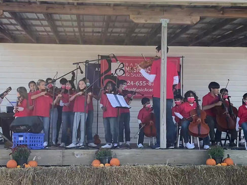 Great Performance during Art in the Barn!