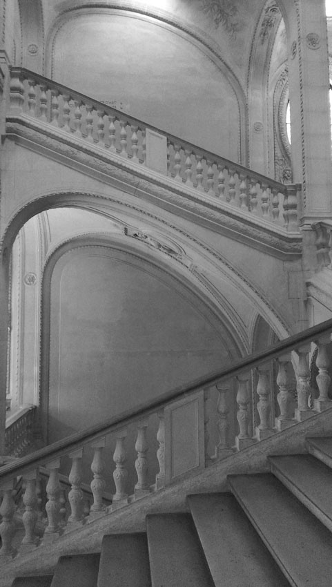 louvre-museum.jpg