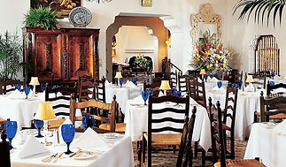 main-dining-room-at-arizona-inn-tucson-t