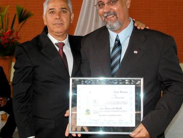 Dr. Áser Barros de Paula recebe Título de Cidadão Honorário de Raul Soares