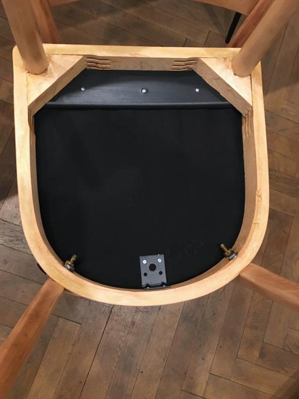 quatre chaises bois8.png