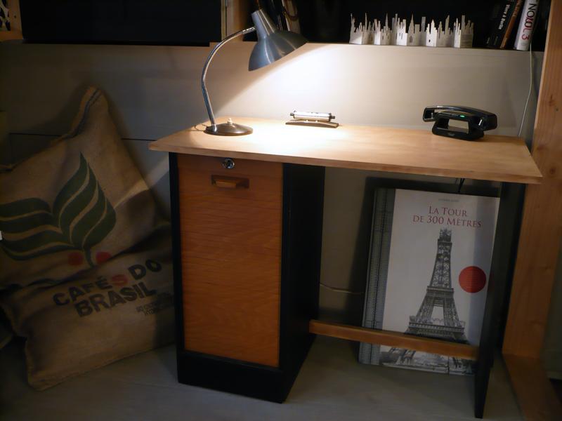 Petit_bureau_à_rideau5.png