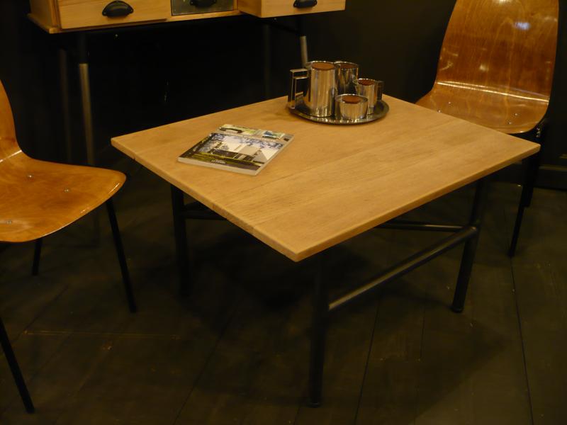 Table basse industrielle en chêne