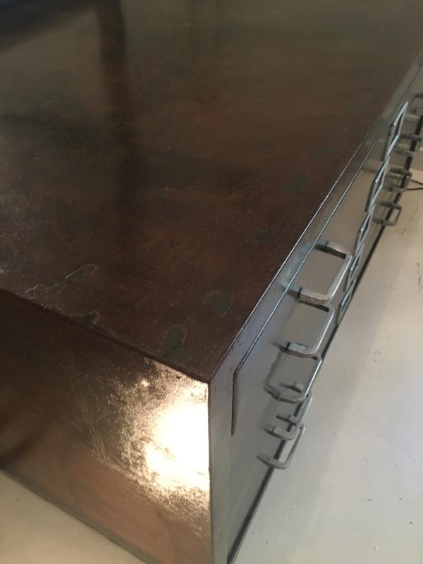 meuble d'architecte en métal