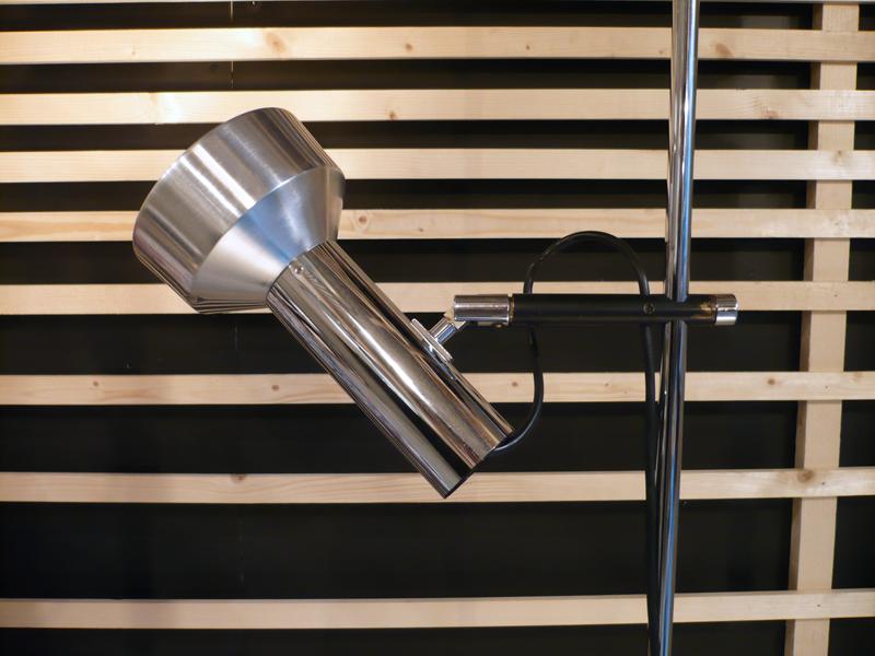 Lampe spot multi-orientable
