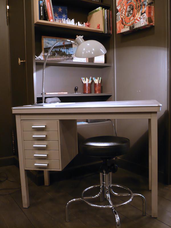 bureau métallique vintage