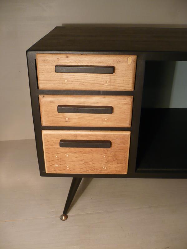 meuble d'appoint en bois massif