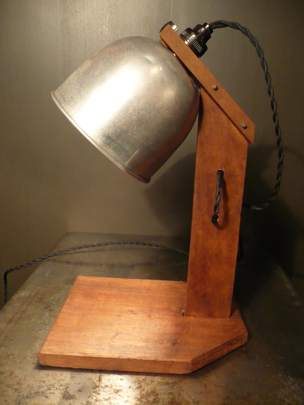 Lampe de bureau bois et métal