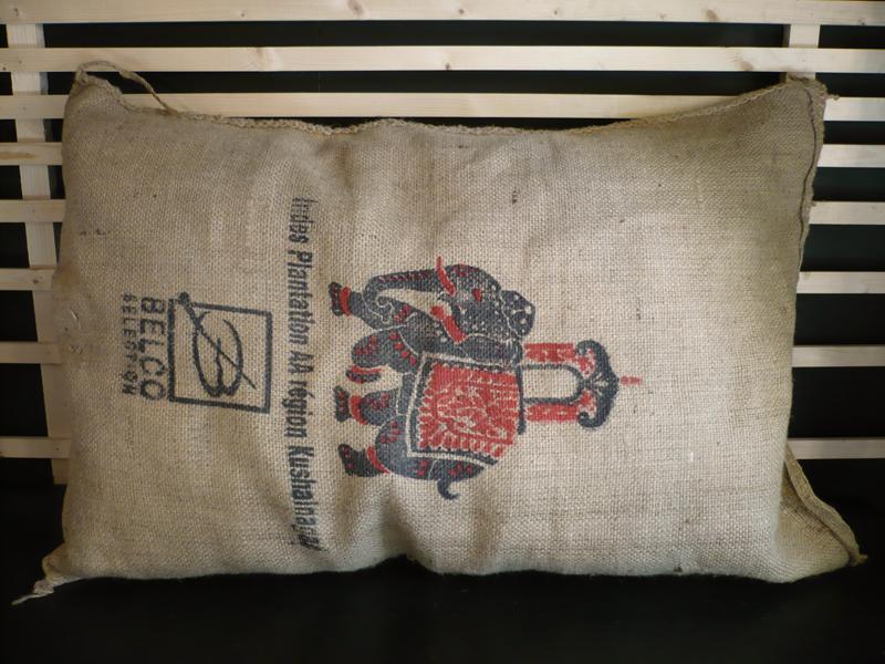 Coussin de sol en sac de café