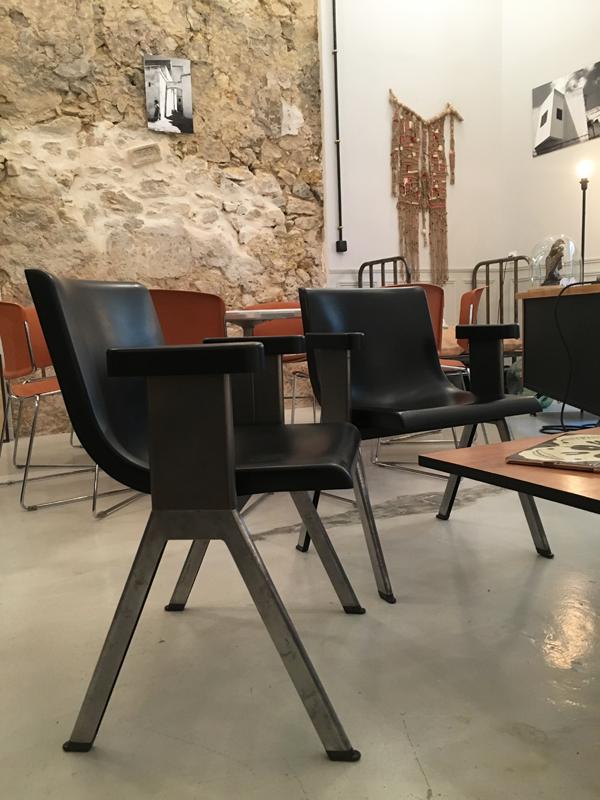 chaises Ettore Sottsass