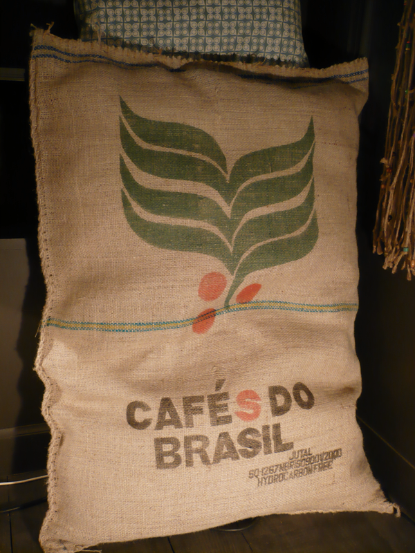 coussin_sac_café6.png